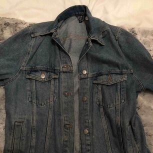 vintage, blå jeansjacka från hm i nyskick
