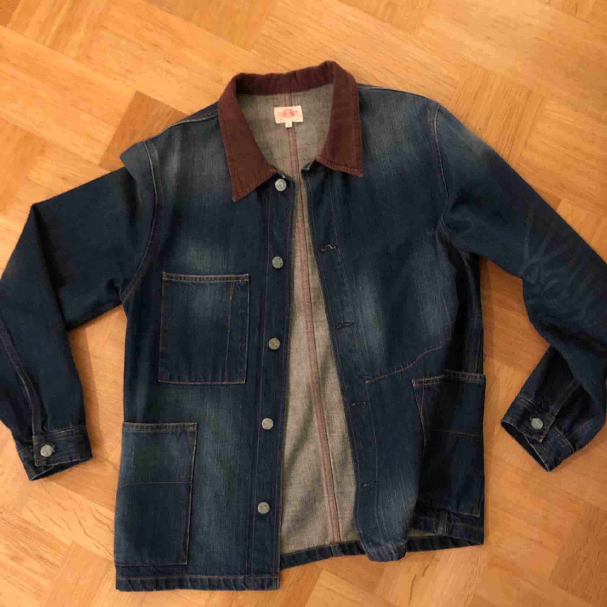Unik å Fet jacka från Emmett jeans Company, köpt 2011, använd 4-5 gånger, mkt fint skick 🤠. Jackor.