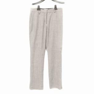 Sprillans nya går kostymbyxor från Rodebjer!!🤩🤩 har till och med prislappen kvar! Förutom att dom är såå fina så är dom utan överdrift dom skönaste byxorna jag nånsin testat!! Som mjuiksbyxor😍❤️ säljer pga för stora 😥Nypris ligger på 2300kr 🤭