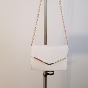 Vit väska använd 1 gång