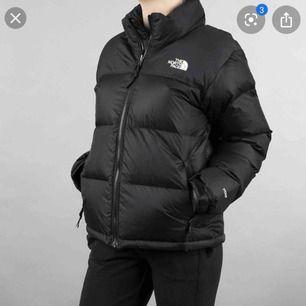 Söker en svart north face nuptse jacka i storlek XS, om du säljer eller vet någon som gör det så skriv jätte gärna i pm!!