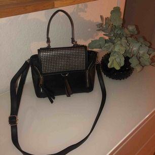 Väska från Aldo, nypris ca 600kr Köparen står för frakten Aldrig använd