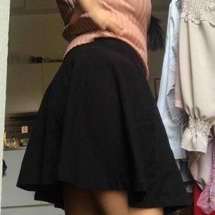 kjol som inte används längre, superstretchig och bekväm