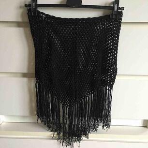 Vintage kjol i nät med frans snygg med underkjol eller hög trosa under