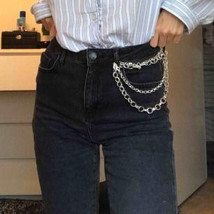Svarta jeans! Köpa för 500 kr på Gina trico. Köpare står för frakt 💕💘💙💞💓💜