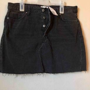 Jeans kjol från hm, oanvänd! Nypris 300:-