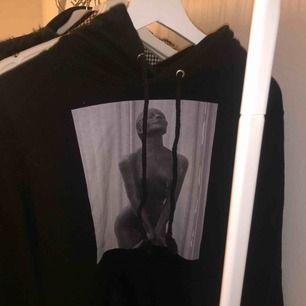 Jätte fin hoodie ifrån thecoolelephant!!!!  Köpt för 600kr