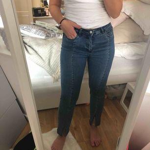 Na-kd jeans med sömmar i toppenskick, möts upp i Sthlm eller fraktar!