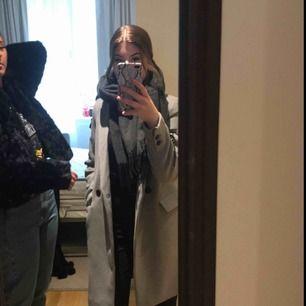Jättefin kappa från Zara Använd 2 gånger Xs Köpt för 800kr