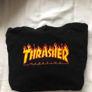 Thrasher hoodie storlek XS. Nypris 999:-. Supermysig och snygg, passar till nästan allt. Kika gärna på mina andra annonser, paketpris kan diskuteras!
