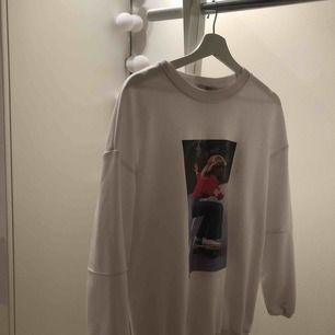 Skitcool tröja från bershka 💕