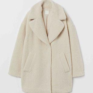 jacka i populär modell som sålde slut direkt Aldrig använd och etiketten sitter kvar