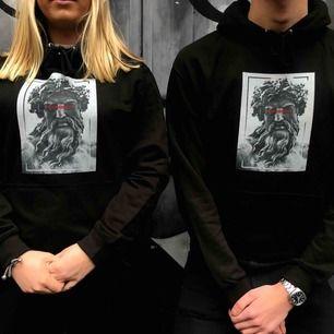 Hoodies från mitt uf-företag säljes. Kolla in våran instagram @weareequallityuf 🖤