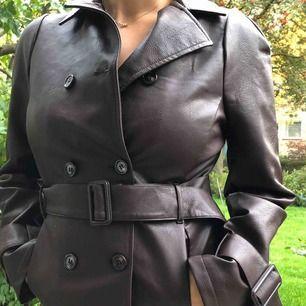 Fake läder jacka från NAKD, aldrig använd! (prislapp finns kvar)