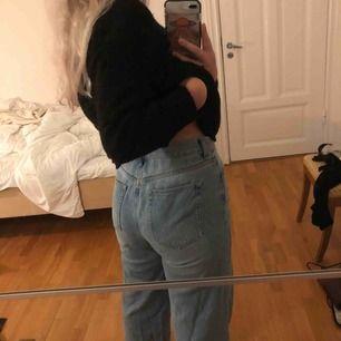 Ljusa vida jeans från Nelly, fint skick. Är stretchiga