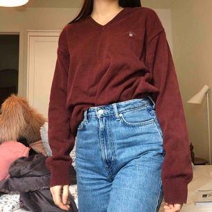 Sweatshirt från GANT.    Jag är storlek XS men det passar med L ändå om man gillar oversize.   Du står för frakt :)