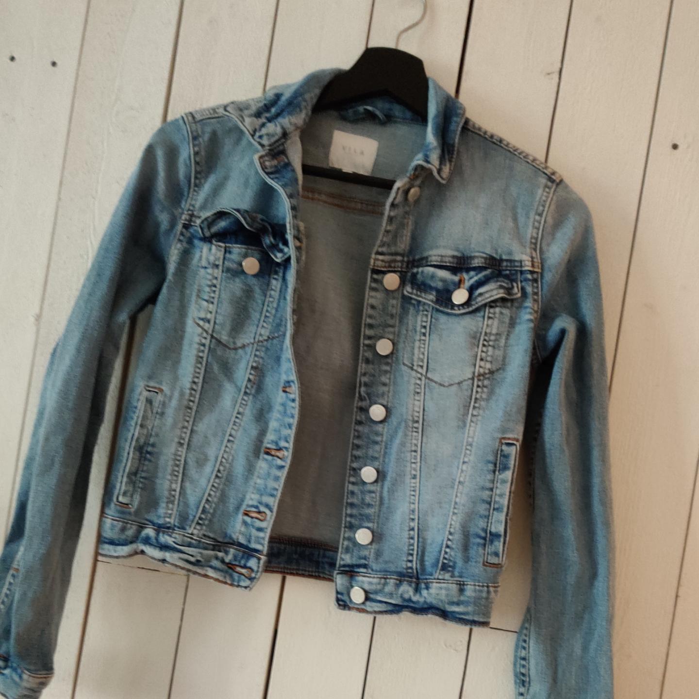 Jeans jacka i storlek xs . Tröjor & Koftor.