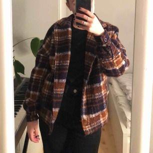 Superfin kappa ifrån Nakd som jag köpte i våras, passar till det mesta!
