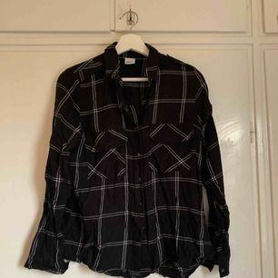 Skjorta från gina tricot, strl 38