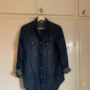 Oversize jeansskjorta från gina tricot, strl S