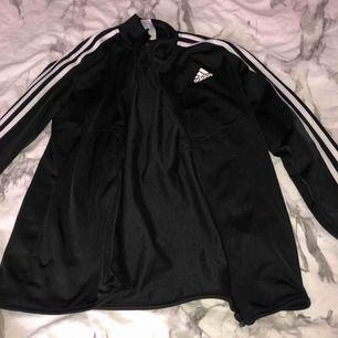 Jacka från Adidas