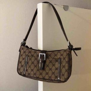 Brun vintage väska