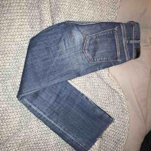 Kickflare jeans från abercrombie strl 25 (0s)