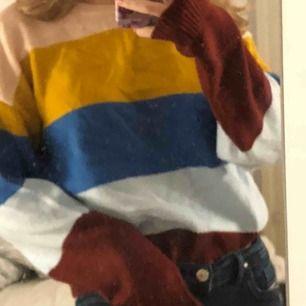 Randig stickad tröja från hm XS Kan mötas upp eller posta (kunden står för frakt)