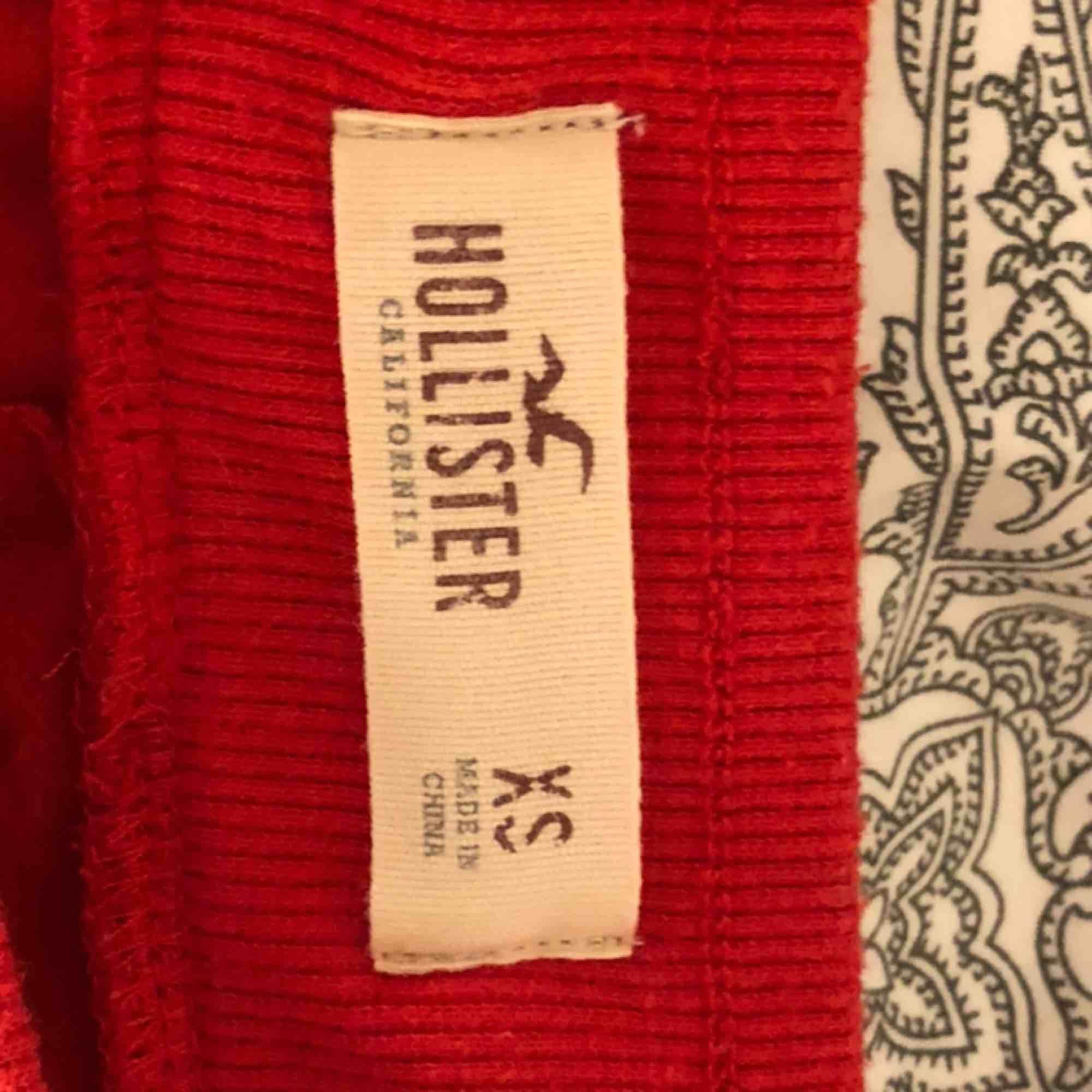 byxor från Hollister XS Kan mötas upp eller posta (kunden står för frakt). Jeans & Byxor.