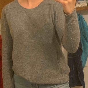 Snygg stickad tröja