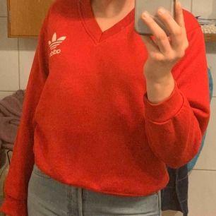 Snygg röd tröja
