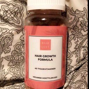 tabletter som får håret att växa & få mer näring, har använt dem ett bra tag, brukar glömma att ta dem & är inte särskilt intresserad av dem längre ( pga de som ja säljer ) 40 st kvar & man tuggar dem & smakar precis som godis, ord pris 399kr🌻