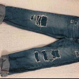 Snygga boyfriend jeans, frakt ingår ej i priset