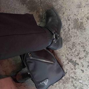 Snygga boots från Vagabond i äkta läder. Köparen står för frakten🖤