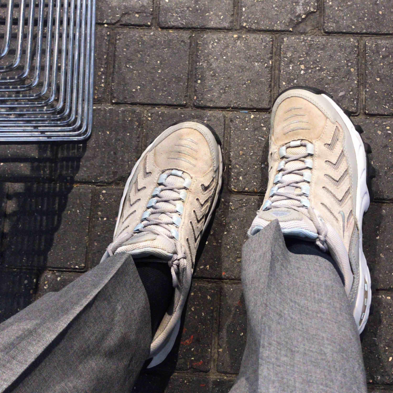 Snygga Nike skor, dock osäker på om de är äkta🖤. Skor.