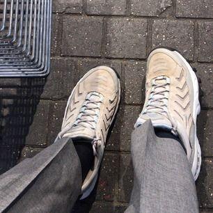 Snygga Nike skor, dock osäker på om de är äkta🖤