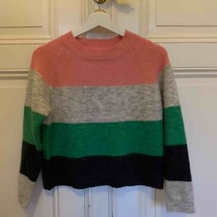 Mysig tröja från Only, använd några gånger men så gott som ny.