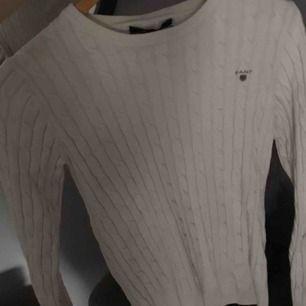 En fin stickad tröja ifrån gant.  Inte mycket använd, nypris är 1299kr och jag ger den för 650kr Storlek xs/s, sitter bra på mig som har xs.  Köparen står för frakt! 💗