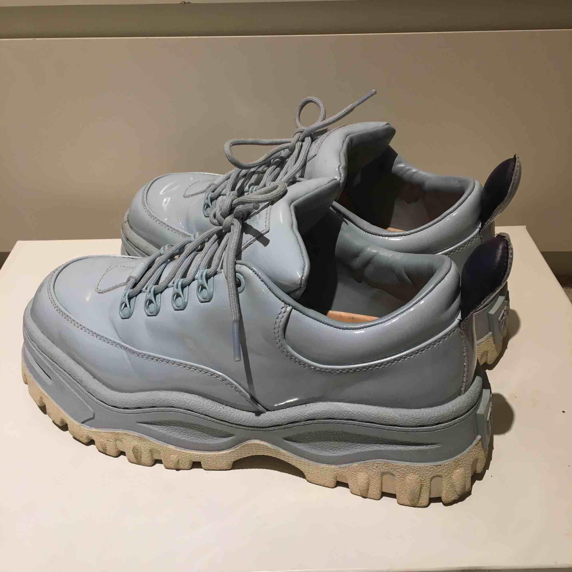 Superfina skor, säljes pga för lite användning!. Skor.