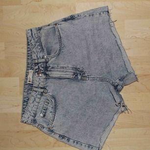 Jeansshorts från Gina. Kan mötas i Stockholm eller frakta för 35 kr