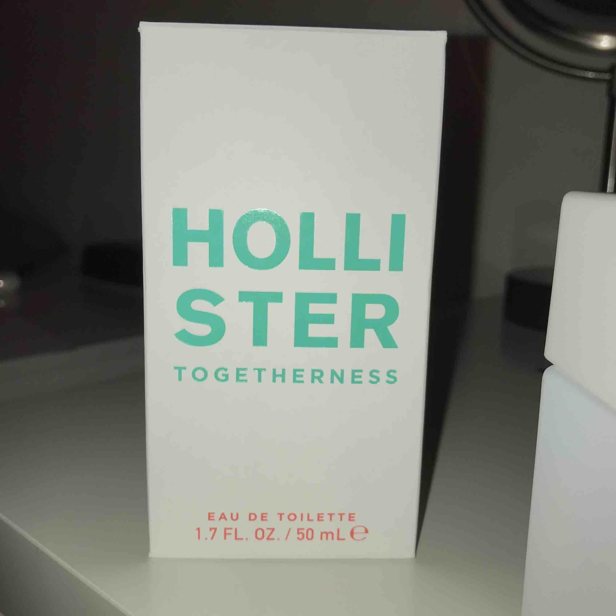 HOLLISTER PARFYM togetherness (Ny) Bruten förpackning endast luktad på Köpare står för frakt     Kvitto finns . Övrigt.