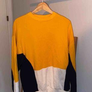 En Asos tröja som är oanvänd✨ Jättebra skick. Frakt tillkommer🌟