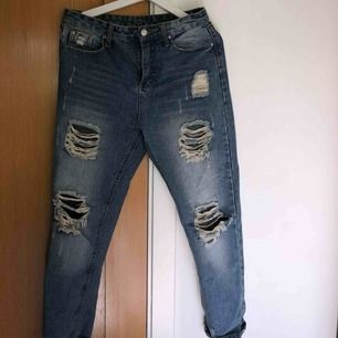 "Slitna momjeans från Shein. Sitter precis som ""normala"" storlek M jeans."