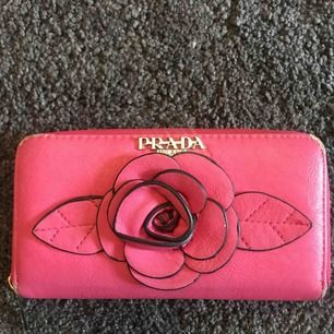 Prada plånbok