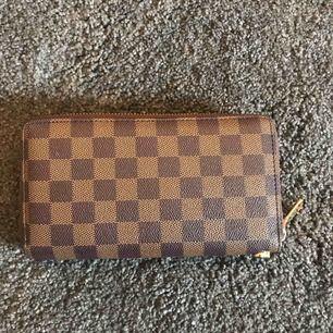 Louis Vuitton plånbok  Knappt använd