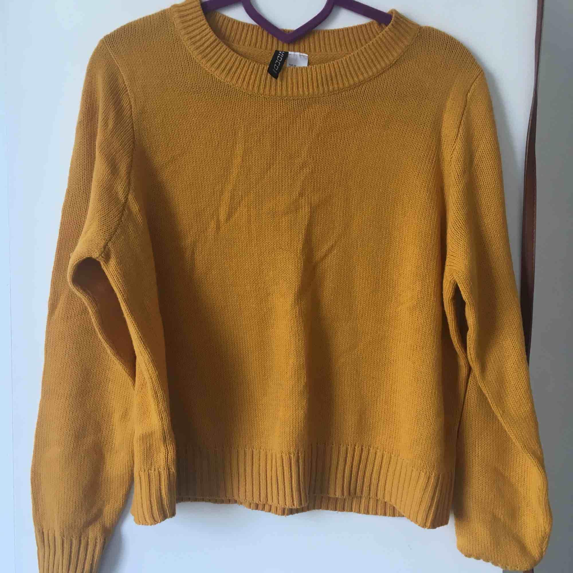 gula tröja. Tröjor & Koftor.