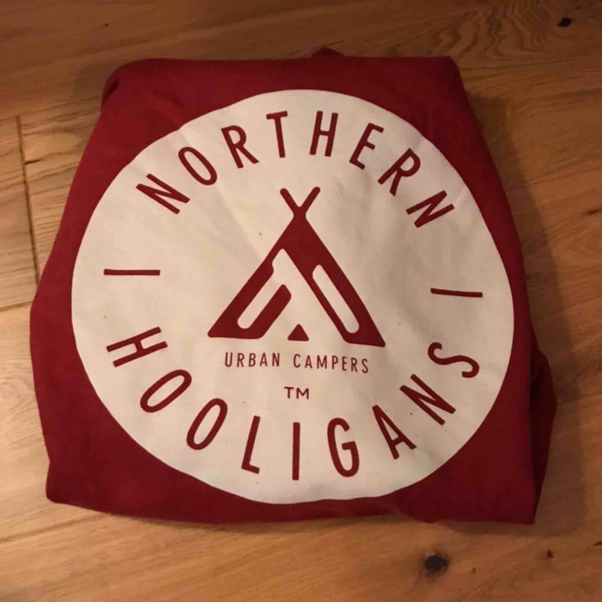 Stor, rymlig hoodie ifrån Northern Hooligans. Köpt ifrån Ridestore.se (699kr) - använd ett par gånger men utan större slitage. Frakten är inräknad i priset . Huvtröjor & Träningströjor.
