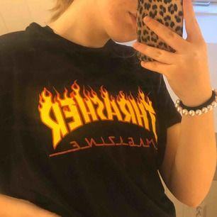 Thrasher t shirt, knappt använd:) 260kr inkl frakt! (Ganska säker på att det är kopia) men ser ingen skillnad mellan äkta