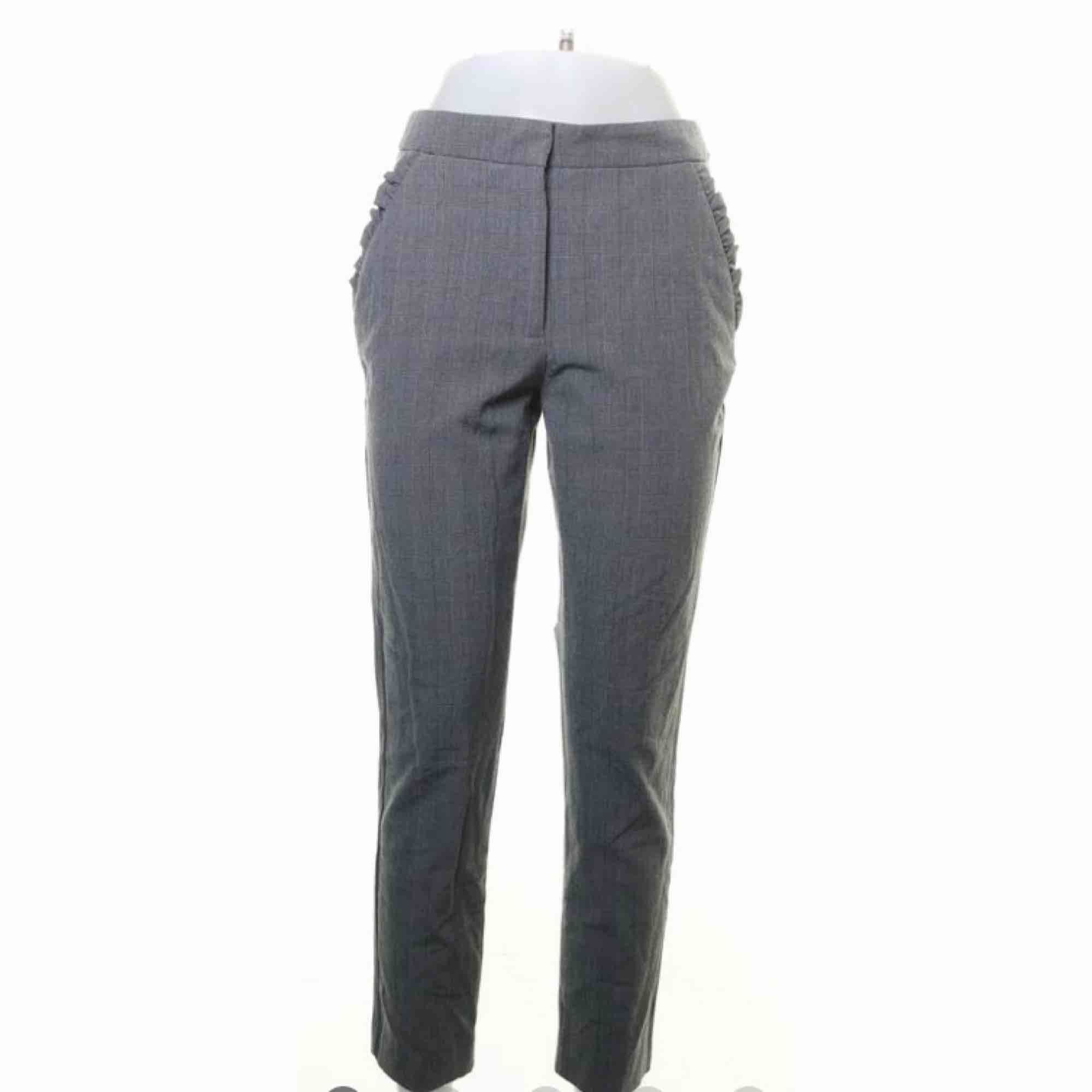Jättefina byxor från Zara. Pris: 150kr + frakt. Jeans & Byxor.