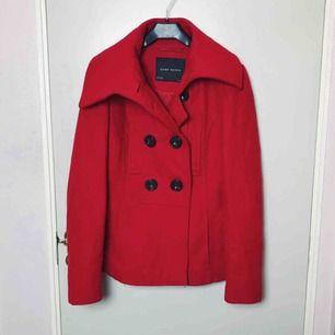 Superfin kappa från Zara! Knappt använd så i mycket fint skick🍁